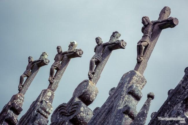 detalle cruces cementerio gótico rioaveso