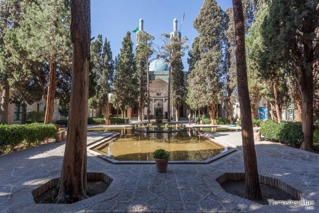 mausoleo shah nematollah vali shrine mahan