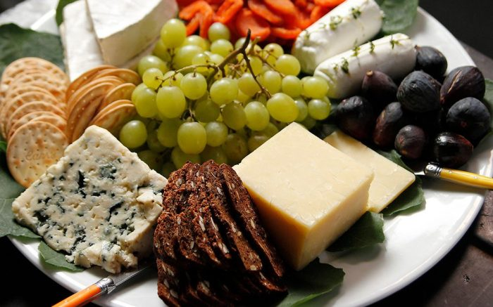 Easy Appetizers Cheese Board