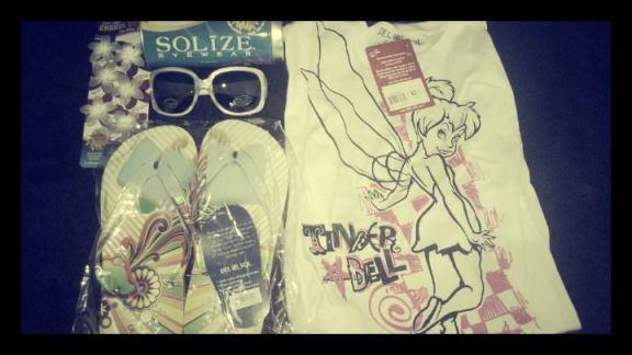 Del Sol, Shirt, Flip Flops, Glasses, hair flowers