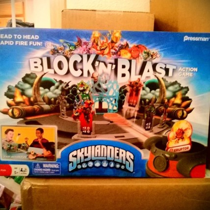 SKYLANDERS BLOCK AND BLAST GAME