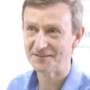 Dr Andrew Kitchener