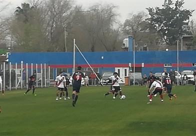 Los Cachorros comenzaron el torneo enfrentando a River Plate