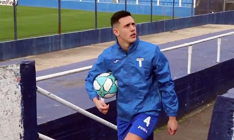 Facundo Giacopuzzi firmó su primer contrato