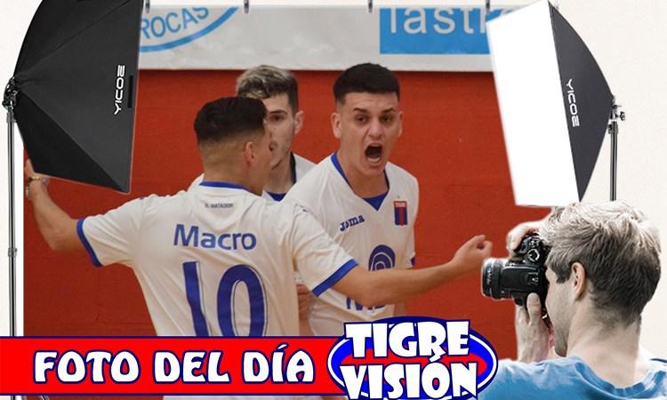 Foto del día: Grito de gol en Futsal
