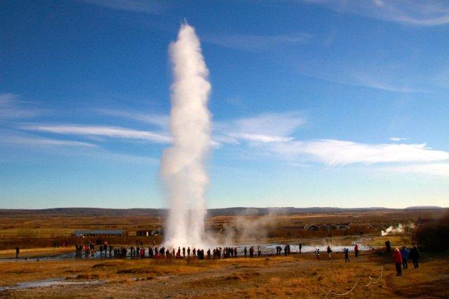 geysir bursting in iceland