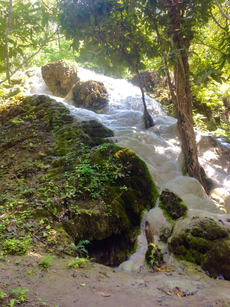 sticky waterfall chiang mai
