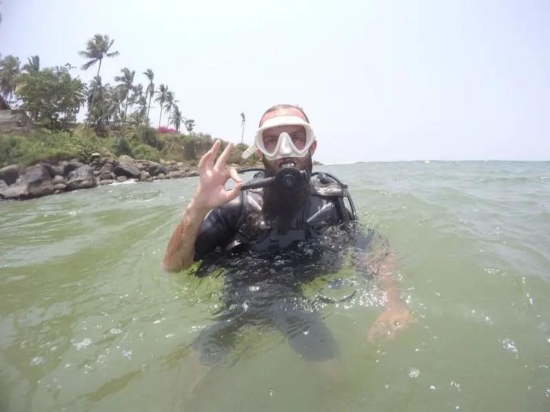 signals pf scuba diving