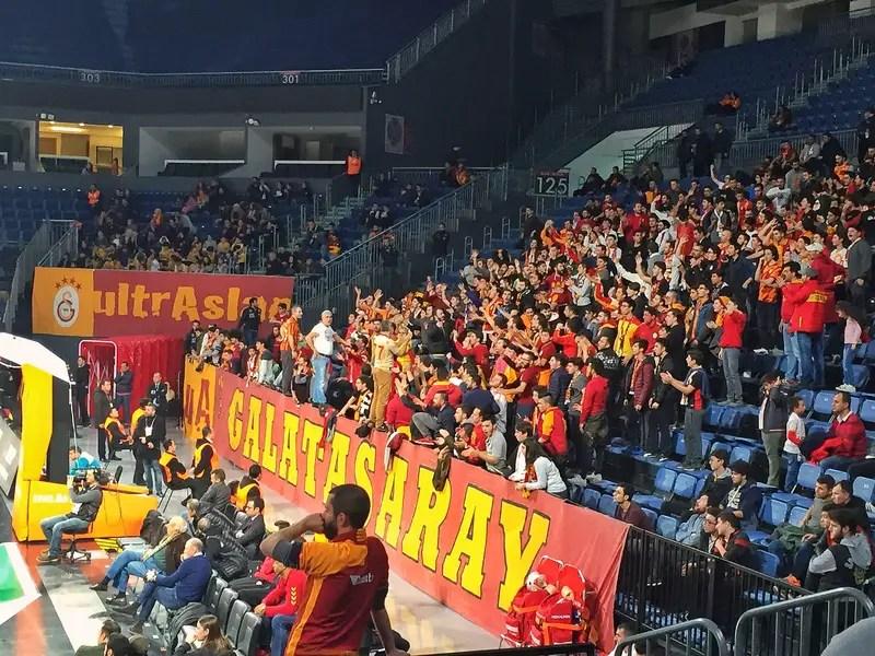 galatasaray basketball ultra fans