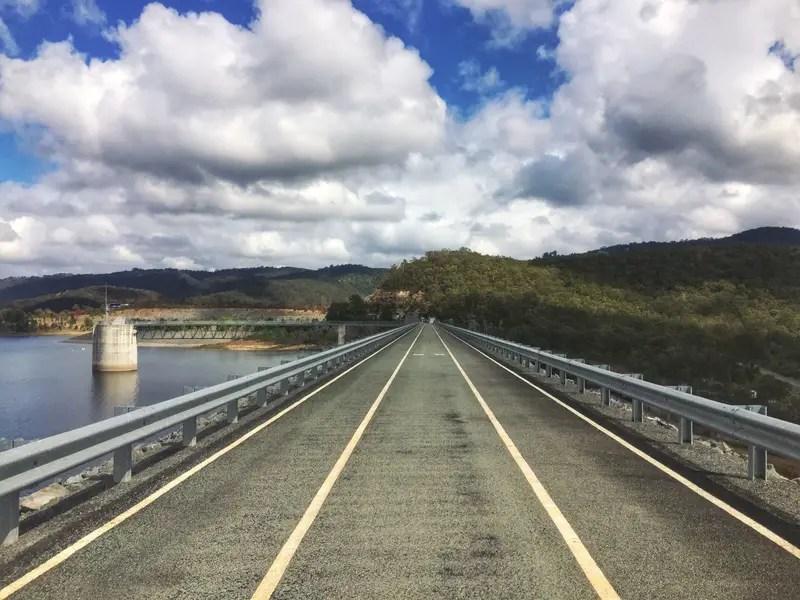 hinze dam walkway