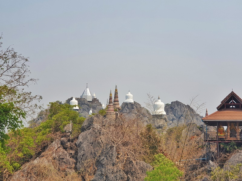 the day trip from Chiang Mai to Wat Chaloem