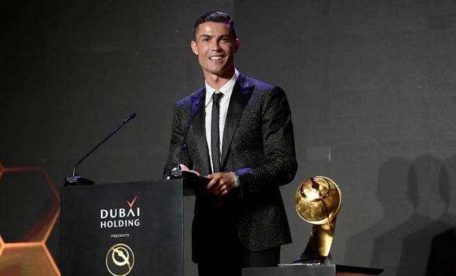 TIKTAK.ID - Jadi Pemain Terbaik 2019 Versi Globe Soccer Awards, Cristiano Ronaldo Kalahkan Messi dan 4 Bintang Liverpool