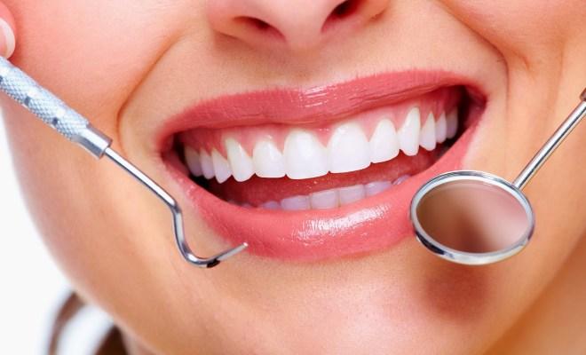 6 Tips Jaga Kesehatan Gigi dan Mulut Bagi Penderita Diabetes