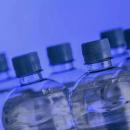 Waspada, Ini 4 Bahaya Minum Air dari Botol Plastik Berulang Kali
