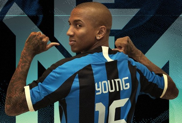 Ashley Young Resmi ke Inter Milan