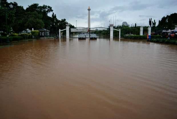 TIKTAK.ID - Salah Unggah Foto Banjir Monas Versi Lama, Admin Dishub DKI Jakarta Diomeli Sekda