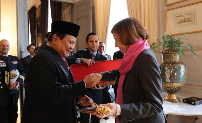 Prabowo ke Paris, Bahas Kerjasama Pertahanan dengan Menhan Perancis