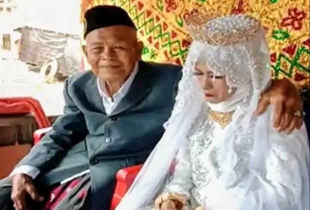 TIKTAK.ID - Nikahi Perawan Usia 30 Tahun, Kakek 103 Tahun ini Ternyata Bukan Orang Sembarangan