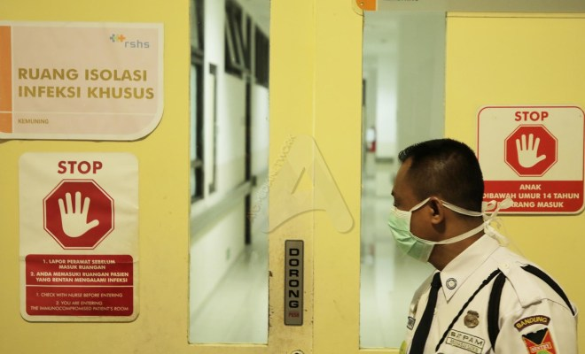 TIKTAK.ID - Menkes Sebut Ruang Isolasi Khusus 2 WNI Positif Corona yang Sebelumnya Tak Diungkap Jokowi