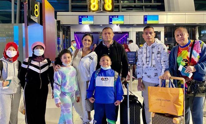 Serangan Corona Meningkat, Krisdayanti Sekeluarga Nekat Plesir ke Eropa