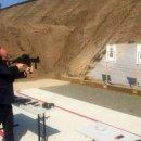 Otoritas Australia Selidiki Pejabat Senior Pengguna Senjata 'Terlarang'