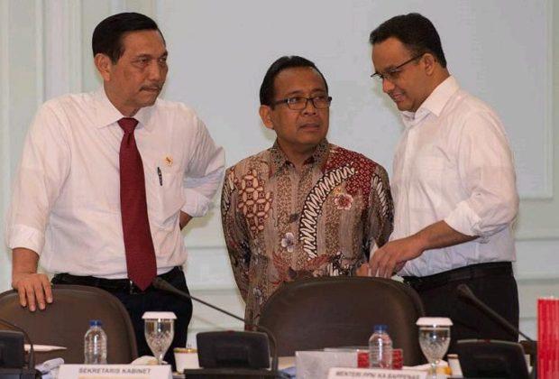 Heran Kenapa Masih Banyak Orang ke Jakarta, Luhut Tanyai Anies