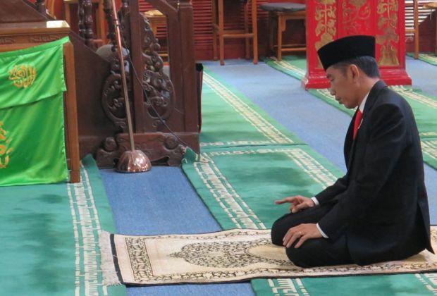 PDIP Bela Jokowi Soal Blusukan Bagi Sembako: Mirip Kisah Khalifah Umar Bin Khattab