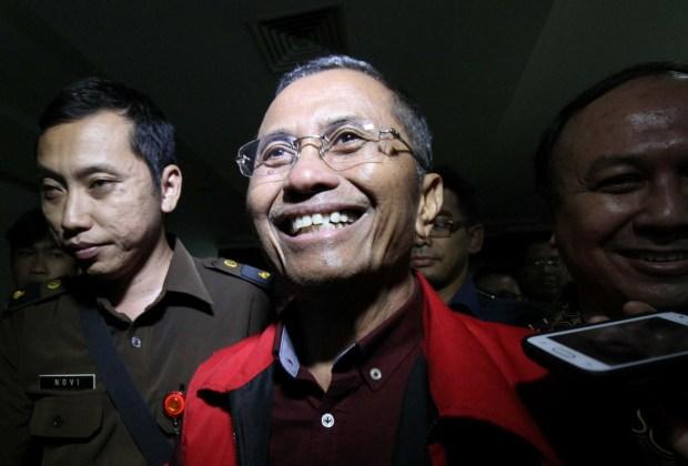 Dahlan Iskan: BBM Dunia Sudah Turun Harga di Indonesia Masih Tetap, Ibarat Rakyat Sudah Susah Masih Dipaksa Bersedekah ke Pertamina