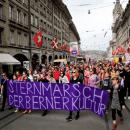 Demonstrasi Perempuan Swiss Tuntut Kesetaraan Gender dan Hidup Aman Tanpa Terancam Kekerasan