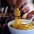 Pria di Bogor Divonis Dokter Tak Boleh Makan Mi Instan Seumur Hidup