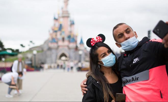Prancis Tetapkan Aturan Wajib Masker di Seluruh Ruang Publik