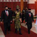 TIKTAK.ID - Filosofi dan Makna Baju Adat NTT yang Dipakai Jokowi Saat Sidang MPR