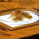 Viral Wanita Pakai iPad untuk Piring Makan, Dokter: Lebih Jorok dari Dudukan WC