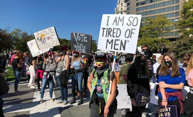 Unjuk Rasa Ribuan Perempuan di Sejumlah Kota Besar Desak Warga AS Tak Lagi Pilih Trump