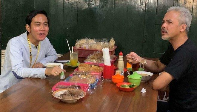 Jelang Debat, Gibran Jokowi Makan Soto Bareng Ganjar Pranowo