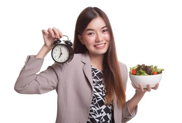 Tidak Makan Malam Efektif Turunkan Berat Badan, Mitos atau Fakta?