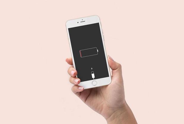 Tips Hemat Baterai Ponsel Saat Liburan