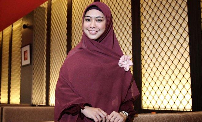 Bersama Brand Lokal Livigi, Oki Setiana Dewi Luncurkan Produk Sportwear untuk Wanita Berhijab