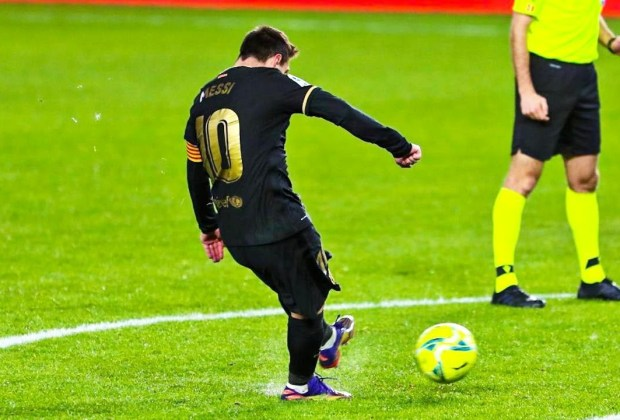 Messi Buktikan Lebih Piawai Tendangan Bebas Ketimbang Ronaldo