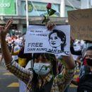 Rakyat Myanmar Lawan Kudeta Militer dengan Turun ke Jalan