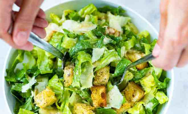 Resep Caesar Salad untuk Menu Diet