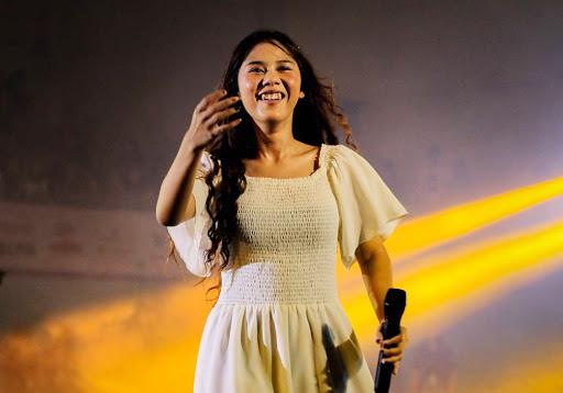 Nadin Amizah Rilis Lagu 'Seperti Takdir Kita yang Tulis'