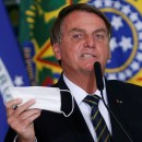 Tak Pakai Masker di Tempat Umum, Presiden Brasil Kena Denda
