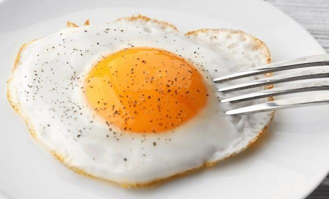 Nikmati Telur Rebus Tanpa Kulit yang Sempurna dengan 4 Tips Membuat Poached Egg Ini