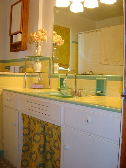 33 Vintage Yellow Bathroom Tile Ideas And Pictures 2019