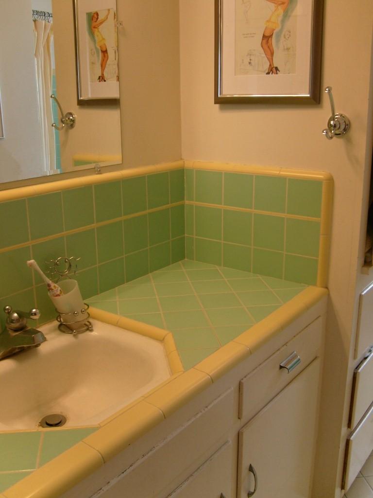 30 great pictures and ideas classic bathroom tile design ideas on Rustic Farmhouse Bathroom Tile  id=76072