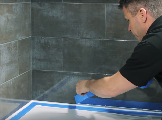 How to Silicone Your Bath or Shower Tray step 8