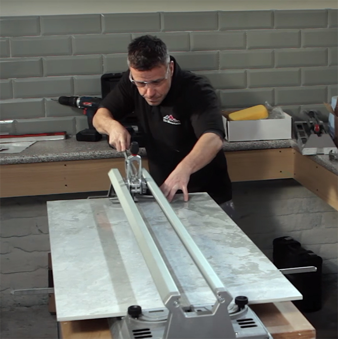 How to cut large format tiles