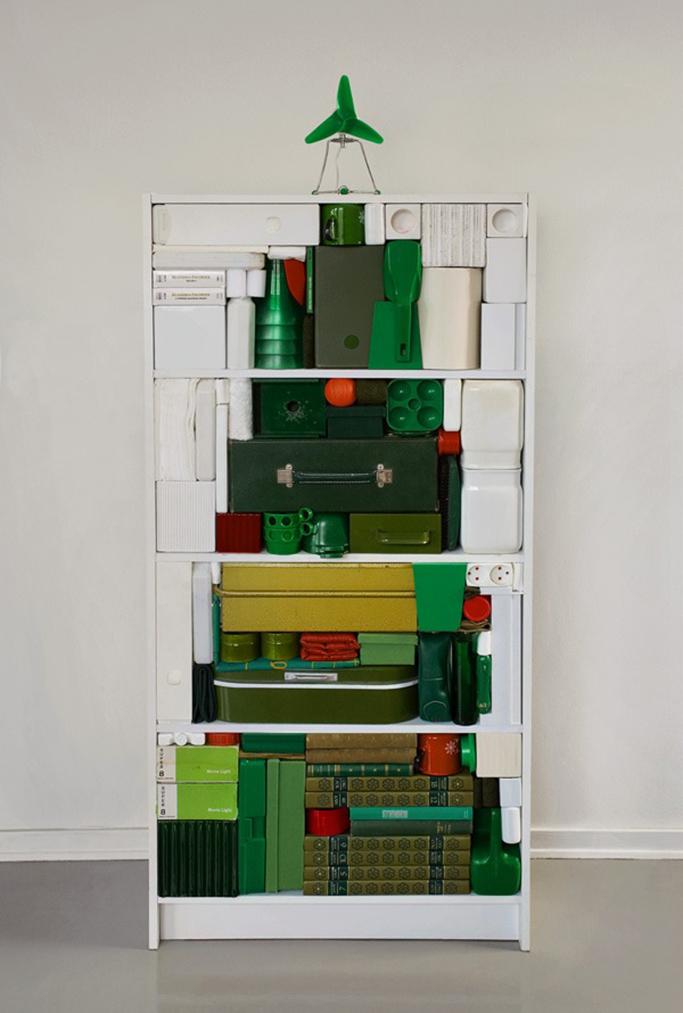 shelf-books-christmas-tree