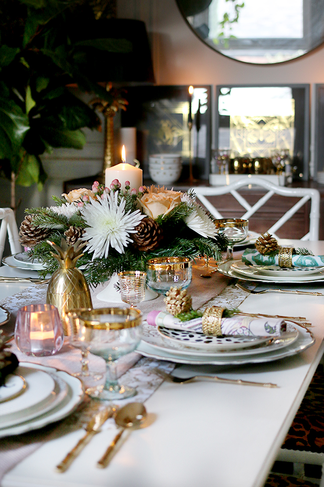 Swoon Worthy Christmas Table Setting